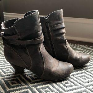 BareTraps Ankle Booties